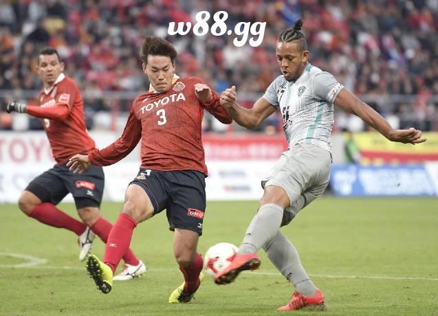 Nagoya vs Tokushima đem lại cho người xem cảm xúc vỡ òa