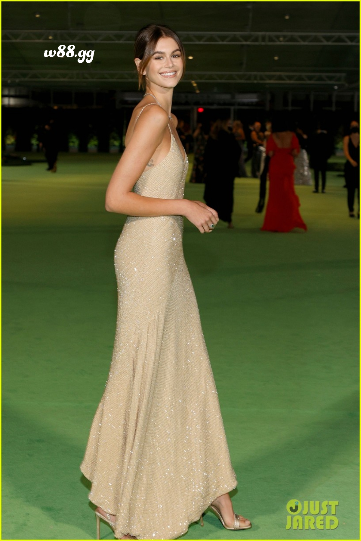 Kaia Gerber sở hữu vẻ đẹp chuẩn người mẫu